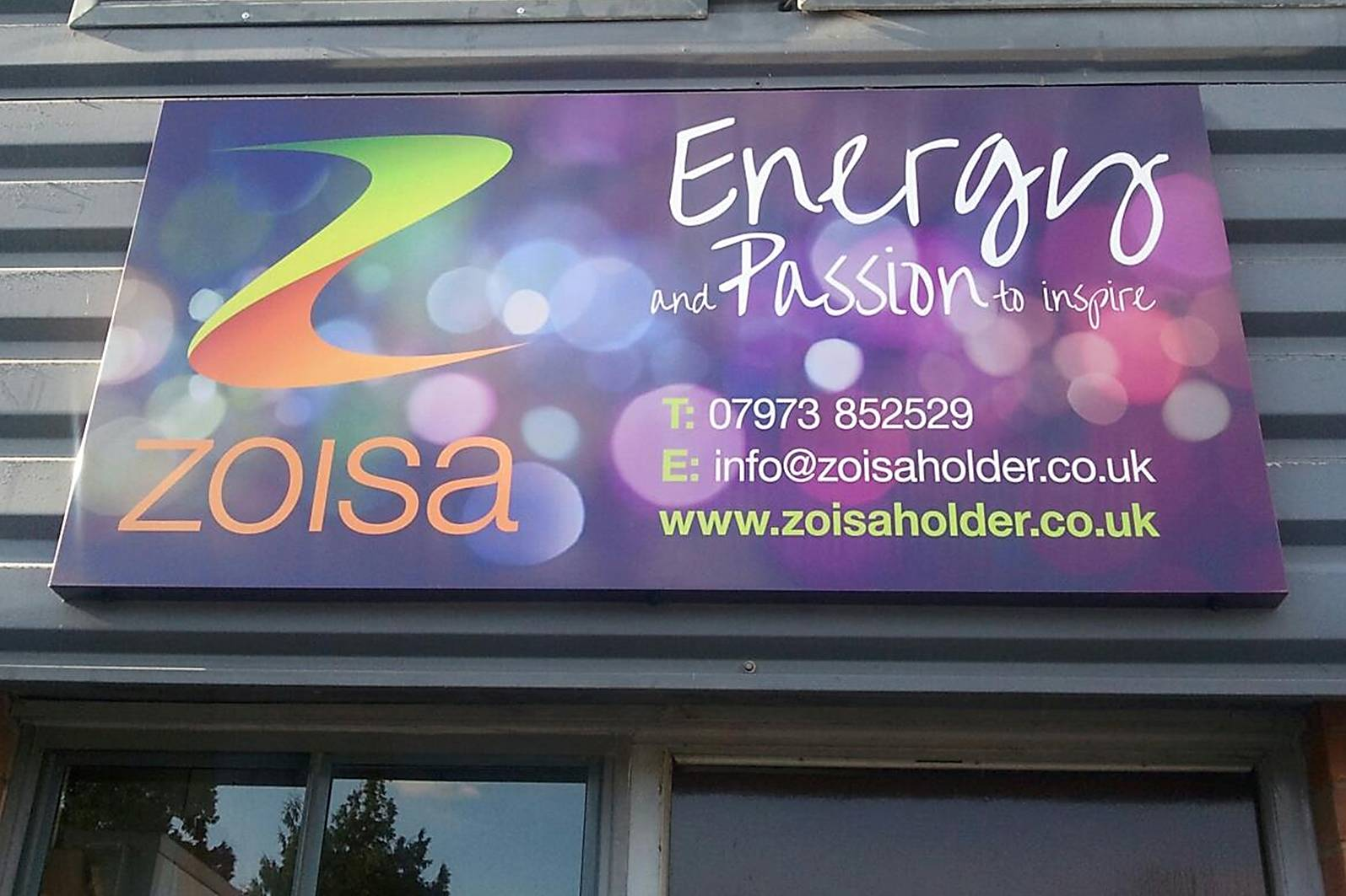 zoisa sign zoomed in